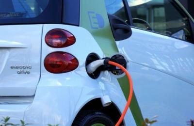 Garage Equipment For Electric Vehicles | EV Workshop Advice