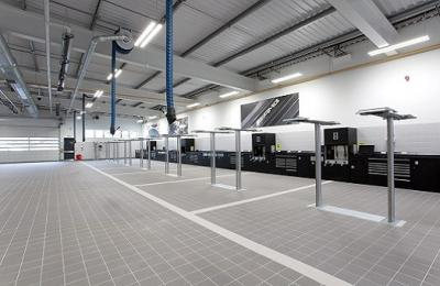 Mercedes Benz Cheshire Oaks | Case Study