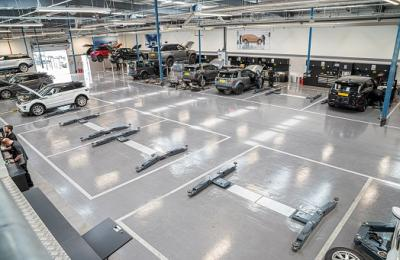 Rybrook Jaguar Land Rover Huddersfield | New Workshop Installation by Straightset
